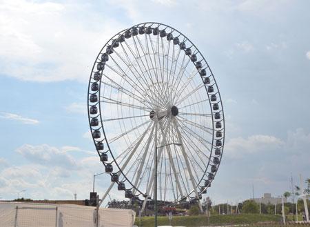 Amusement park fun giant ferris wheel ride
