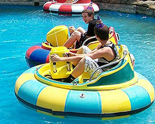 Adults and kids bumper boats for water park